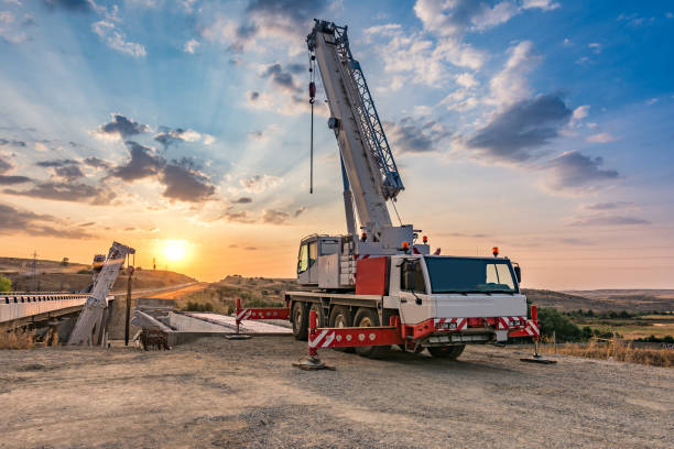 The diversified uses of small mobile cranes for sale
